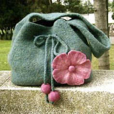 Items similar to Felted flower purse - Jade green and pink felted flower handbag on Etsy Felted Wool Crafts, Felt Crafts, Felt Purse, Knitted Bags, Felted Bags, Fabric Bags, Mode Style, Felt Flowers, Handmade Bags