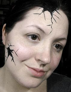 cracked doll skin This seems quick/easy for school. wonder if my son would agree? Halloween Makeuo, Halloween Doll, Halloween Party Costumes, Halloween Face Makeup, Costume Ideas, Doll Face Makeup, Clown Makeup, Broken Doll Costume, Porcelain Dolls For Sale