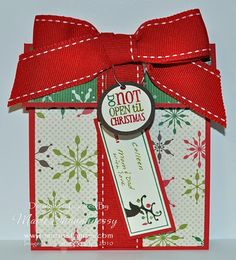 Stamping Inspiration: PRESENT GIFT CARD HOLDER