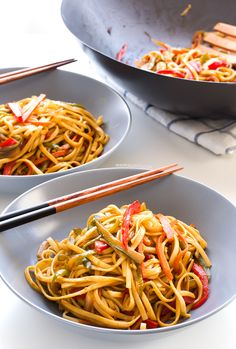 Stir Fried Udon Noodles (vegan)