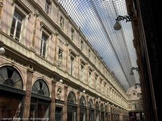 Galerie de la Reine, Brussels, Royal Galary, first covered shopping mall worldwide #belgium