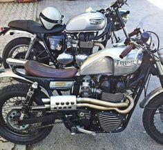 The British manufacturer, Triumph Motorcycle, introduced the latest addition to their scrambler motorbike lineup. Triumph presents the Scrambler 1200 with this Triumph Scrambler, Triumph Cafe Racer, Cafe Racer Motorcycle, Motorcycle Design, Triumph Motorcycles, Cafe Racers, Thruxton Triumph, Street Scrambler, Bike Design