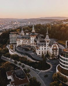 Sunrise in Zurich from the Dolder. There's not many places as picturesque as Switzerland in the summer 🏰 Joe Thomas, City Resort, Lake Zurich, Grand Hotel, Travel And Leisure, City Lights, Switzerland, Paris Skyline, Travel Photography