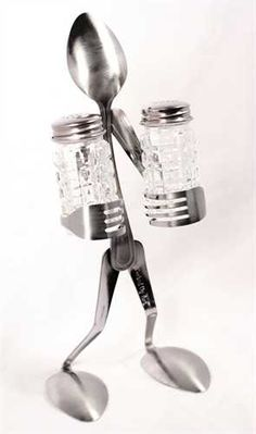 I LOVE THIS!!!! salt/pepper shaker holder from silverware. www.theyardsalelady.com