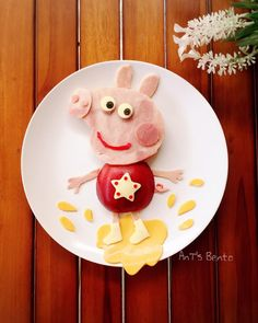 Peppa Pig by Creative Snacks, Healthy Snacks For Kids, Healthy Food, Food Art For Kids, Cooking With Kids, Toddler Meals, Kids Meals, Cute Food, Yummy Food