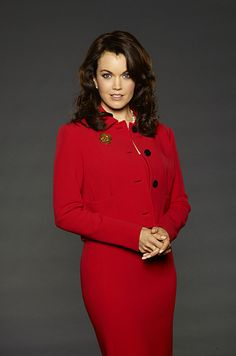 "(Mellie Grant, portrayed by Bellamy Young) Why Mellie Grant Is The Smartest Woman In The Room On ""Scandal""."