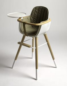 The Ovo high chair, white with a wooden structure : a design high chair in a retro style, made by Micuna. : Design for kids Furniture Plans, Kids Furniture, Furniture Design, Woodworking Projects Plans, Teds Woodworking, Chaise Haute Design, Newborn Schedule, Baby Accessories, Baby Essentials