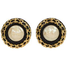 Pre-Owned Chanel Oversize Leather & Pearl Earrings (€415) ❤ liked on Polyvore featuring jewelry, earrings, leather jewelry, clip on earrings, black pearl earrings, black leather earrings and leather earrings
