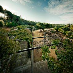 Batlle i Roig | Landscape Barcelona. Roques Blanques Metropolitan Graveyard. Photography: www.jordisurroca.com