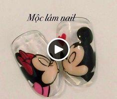 Nail art Christmas - the festive spirit on the nails. Over 70 creative ideas and tutorials - My Nails Minnie Mouse Nails, Mickey Mouse Nails, Love Nails, Pretty Nails, My Nails, Cartoon Nail Designs, Nail Art Designs, Animal Nail Art, Kiss Nails