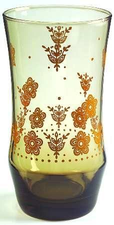 Corelle Butterfly gold Pyrex Vintage, Vintage Kitchenware, Vintage Dishes, Vintage Glassware, Plywood Furniture, Antique Kitchen Cabinets, Butterfly Gold, Glass Kitchen