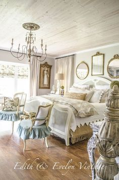 French Country Fridays No. 19 ~ Transformations, Kitchens, French Charm and More French Country Fridays No. 19 ~ Transformations, Kitchens, French Charm and More! Decor, French Country House, Country Decor, Home Decor, Country Cottage Decor, French Country Living Room, Country Bedroom, Bedroom Decor