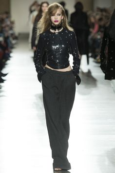 Topshop Unique Fall 2016 Ready-to-Wear Fashion Show - Olivia Mink