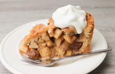 Dutch Apple pie with applepie mixed spices. Raisins are mixed with calvados. #applepie #dutchapplepie #calvados #instabake #pie #dutchbaking #applepiespices #food #eat #dough #foodporn #foodgasm #patisserie #foodtrend #applepietuesday #prinsjesdag