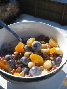 Do you feel like it would be soooooooooooooo hard for you to switch to Paleo because you would miss your morning cereal? Well fear not any longer....do I have the solution for YOU! PALEO CEREAL!!! ...