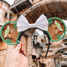 Baby Yoda drinking tea on the perfect pair of disney ears Diy Disney Ears, Disney Mickey Ears, Disney Diy, Disney Crafts, Disney Trips, Disney Vacations, Disney Love, Disney Furniture, Cute Disney Pictures