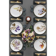 Flora Danica Table Setting in the 2012 Royal Copenhagen Catalogue Beautiful Table Settings, Table Set Up, Royal Copenhagen, Elegant Table, Table Arrangements, Deco Table, Dinner Table, Home Interior, Dinnerware