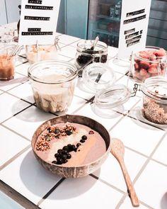 Açai bowl bar, Palms&Berries, Helsinki, Finland  #acai #acaibowl #bowlfood #healthyfood #healthybreakfast #veganfood #coconutbowl Coconut Bowl, Helsinki, Palms, Finland, Acai Bowl, Alcoholic Drinks, Berries, Vegan Recipes, Bar