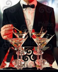 Martini, please! Shaken, not stirred. Happy Hour, Bandeja Bar, Black Tie Affair, New Years Eve, Party Time, Smoothie, Fancy, Entertaining, Beautiful