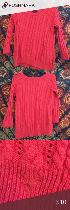 American Eagle Sweater Used. Wore about 5-10 times American Eagle Outfitters Sweaters