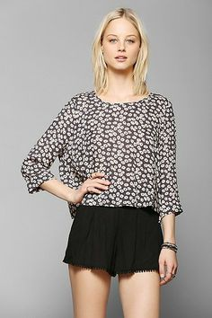 Pins And Needles 3/4 Sleeve Swing Top