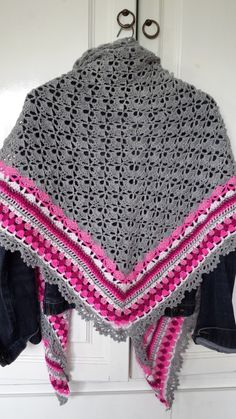 South Bay Would LOVE to make this in sports weight yarn... Border would be neat edging for a Granny Square Afghan, too !!!