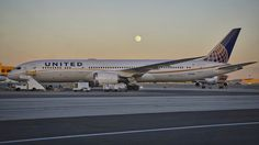 United Airlines at San Francisco Airport. Picture taken day before the Strawberry Moon and Summer Solstice. Next Strawberry Moon and Summer Solstice, San Francisco Airport, Boeing 787 Dreamliner, Xiamen, United Airlines, Summer Solstice, Long Haul, Private Jet, Taipei, Aviation