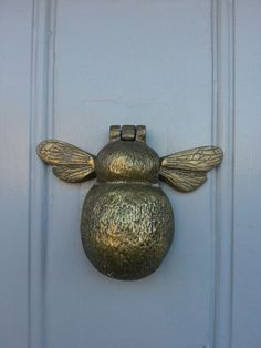 bee door knocker, the door knocker company.