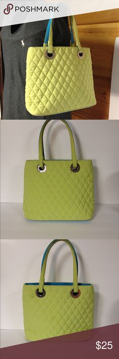 "Vera Bradley microfiber purse shoulder bag green Very good preloved condition.  Clean.  Please see pics.  Bag is about 11"" wide 9"" tall.  Snap closure.  Green with blue lining Vera Bradley Bags Shoulder Bags"