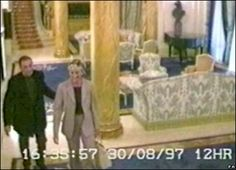August Princess Diana and Dodi Al Fayed in Paris. Princess Diana And Dodi, Diana Dodi, Princess Diana Death, Princess Diana Pictures, Princess Of Wales, Princesa Diana, Dodi Al Fayed, Diana Funeral, Lady Diana Spencer