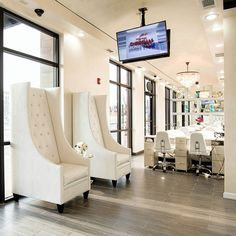 Waiting Area Chairs at Treat Your Nails Salon on Buford Highway