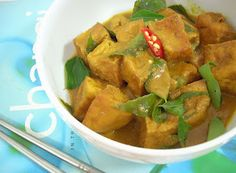 The Modern VEGETARIAN - Recipes: Curry Tofu Cubes