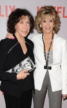 Love that Lily Tomlin 's purse has Jane Fonda's mug shot on it!!!!
