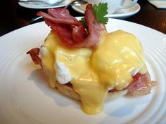 This is pretty much the only thing I order at breakfast places. Eggs benedict