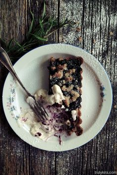 Blueberry pie with rosemary and lemon