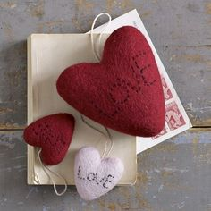 Felt hearts - just need to embroider a bit! Perfect for DIY Valentines Day.