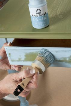 How to Use FolkArt Home Decor Chalk with Donna Dewberry. The Plaid Palette blog post by Chris Williams
