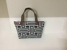 Coudre un petit sac à main pratique Couture Madalena - YouTube