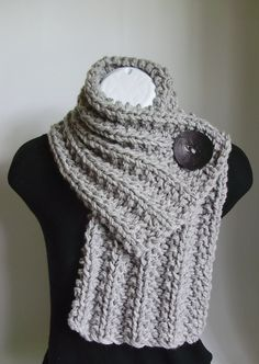 chunky cowl with button