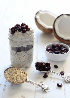 Cherry Coconut Chia Oats