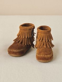 Baby Minnetonka Moccasins - Poppy's dad bought these for her to match my own