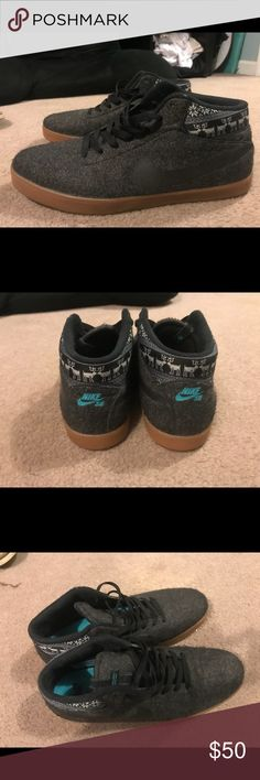 Gray Reindeer Carpet Nike's Like new condition Nike Shoes Sneakers