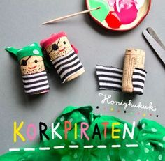 Honey Kukuk - Illustration · Tricks · Join-in Kukuk · Material Laboratory - Ahoy cork pirates! ☀️⚓️⛵️ These little pirates made of cork and scraps of fabric are lo - Kids Crafts, Toddler Crafts, Diy And Crafts, Arts And Crafts, Pirate Birthday, Pirate Theme, Pirate Crafts, Wine Cork Crafts, Fabric Scraps