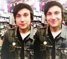 FRANK IS SO CUTE I CAN'T DEAL WITH IT. JUST LOOK AT THIS LIL BEAN. UGH.