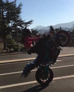 20 ideas for bike girls biker chick motorbikes Stunt Bike, Motorbike Girl, Motorcycle Bike, Girl Bike, Biker Chick, Biker Girl, Art Moto, Flipagram Instagram, Moto Cross
