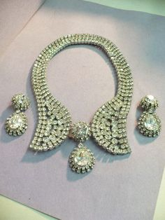 "Striking Vintage Rhinestone ""Collar"" Necklace Clip on Earrings 