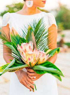 Wedding Bouquet Elegant Tropical Wedding Inspiration in Malibu - Inspired By This - If we're being honest, this elegant tropical wedding inspiration has left us speechless! It's California cool meets tropical paradise - it's pretty perfect. Tropical Wedding Bouquets, Beach Wedding Flowers, Hawaii Wedding, Floral Wedding, Summer Wedding, Destination Wedding, Tropical Weddings, Tropical Flowers, Beach Weddings