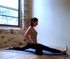 How to Do the Splits 8 Stretches to Get You There -- great for building (or in my case, rebuilding) flexibility!