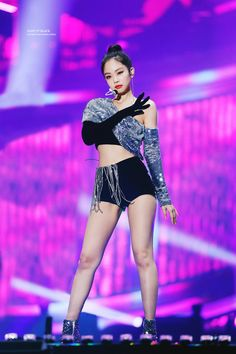 Jennie looks just perfectly amazing with her braided ponytail. She looks way too amazing with the Blackpink Fashion, Kpop Fashion Outfits, Stage Outfits, Kim Jennie, South Korean Girls, Korean Girl Groups, Moda Kpop, Estilo Lolita, Kim Jisoo