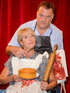 Star Tracks: Tuesday, September 16, 2014 | HAIR RAISER | Look out, Emma! Thompson gets a crick in the neck courtesy of opera singer Bryn Terfel, who channels murderous barber Sweeney Todd at a photo call for the musical production of Sweeney Todd: The Demon Barber of Fleet Street in London on Tuesday.